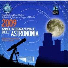 San Marinas 2009 pilnas euro monetų rinkinys su 5 eurų sidabrine moneta Astronomijos metai (lankstinukyje)