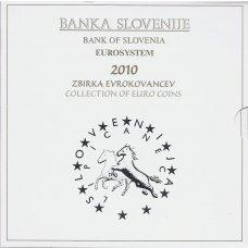 SLOVĖNIJA 2010 m. OFICIALUS EURO MONETŲ RINKINYS SU PROGINĖMIS 2-jų IR 3-jų EURŲ MONETOMIS